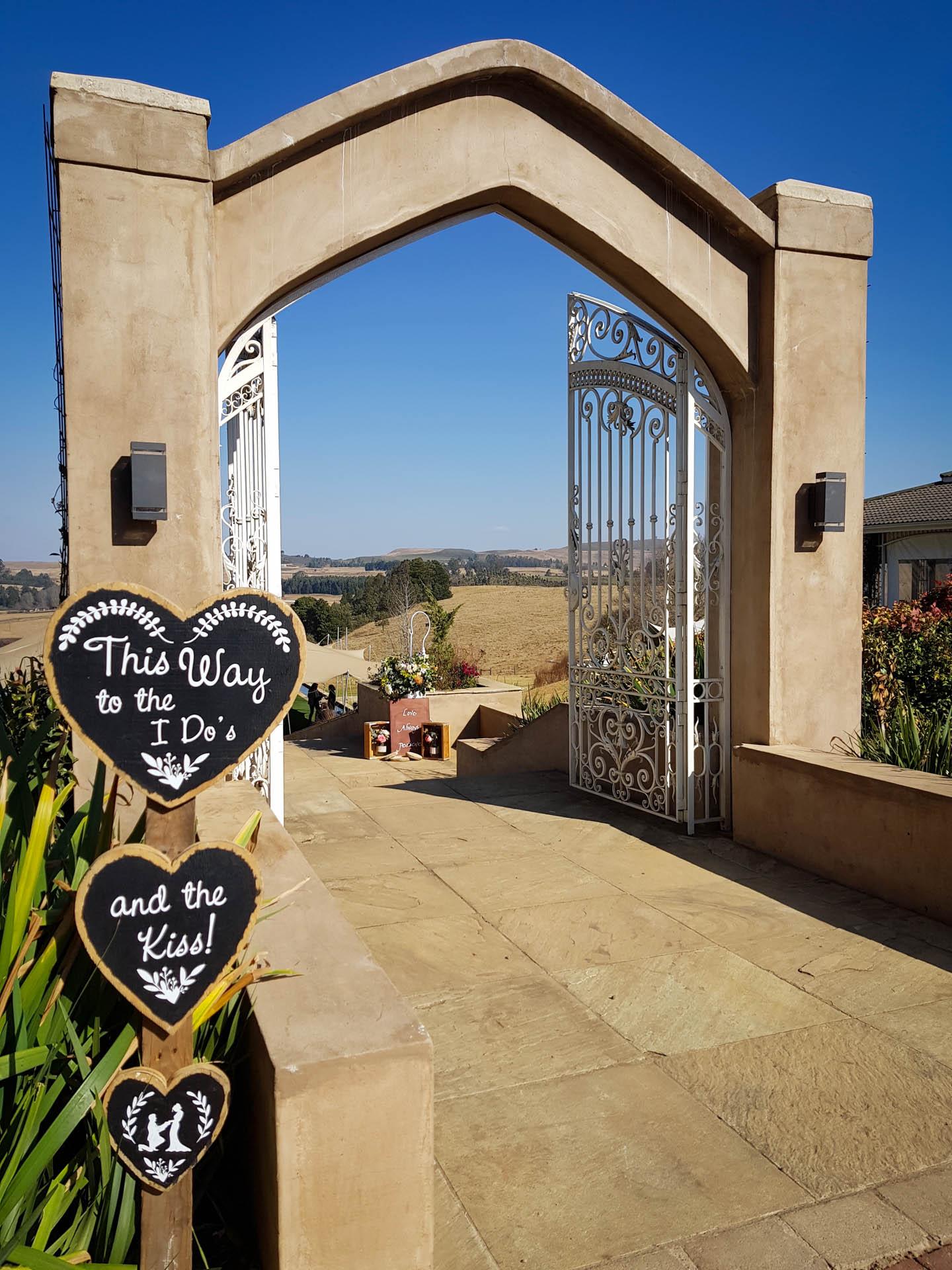Lythwood Avellini Gate